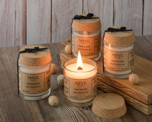 Scented candles made with nature biodegradable soy wax